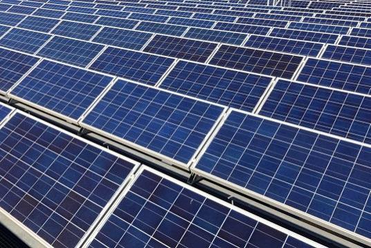 Panasonic investe nella produzione di pannelli solari